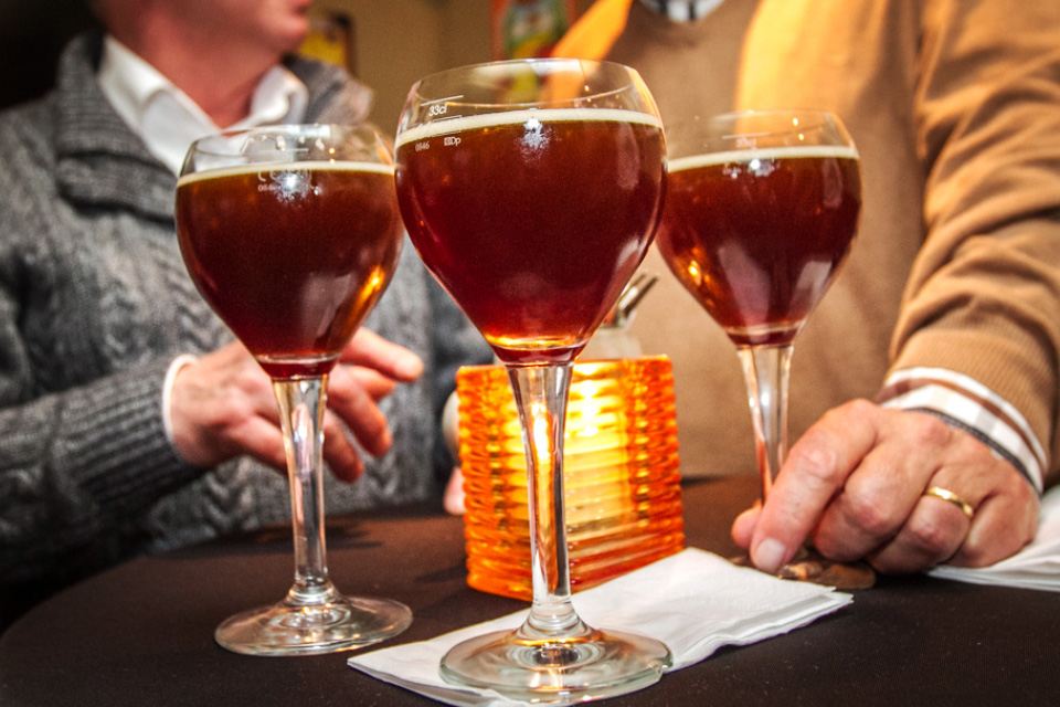 3 Glazen donker speciaalbier